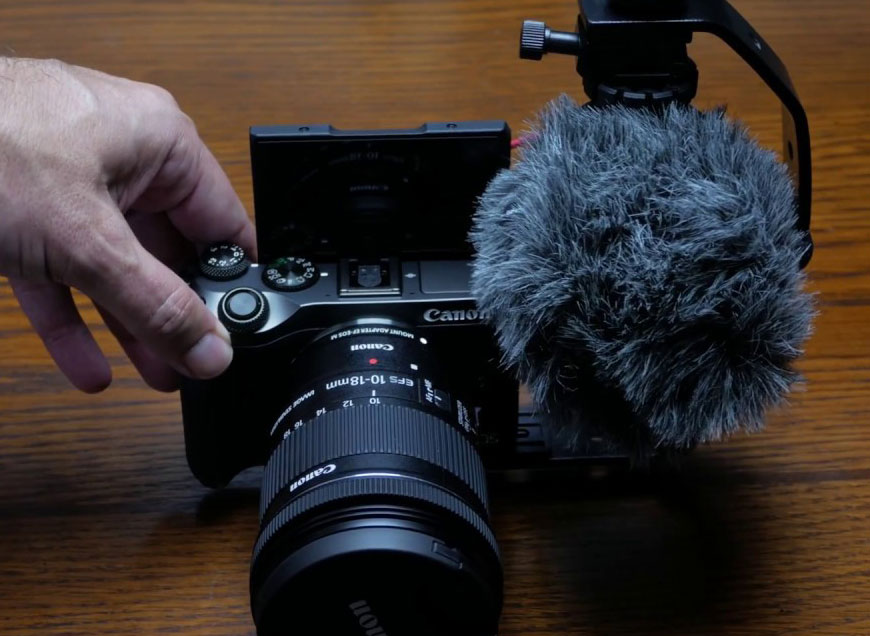 Canon M6 with bracket and microphone